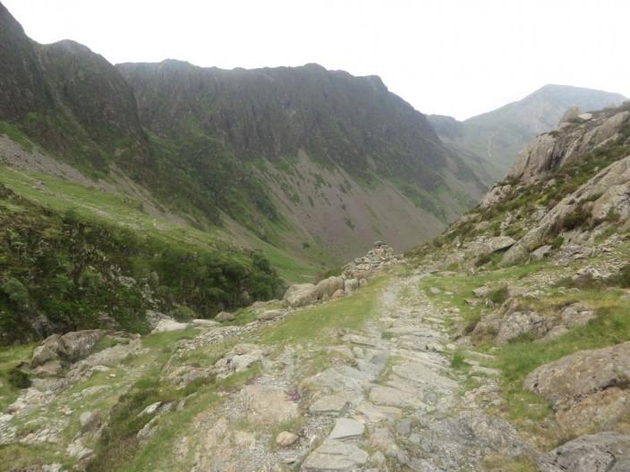 Footpath climbing to Dubs Bottom